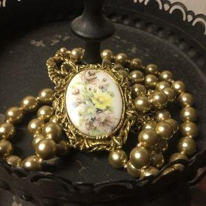 Vintage necklace, brooch/ Pearls/ Pin/ antique